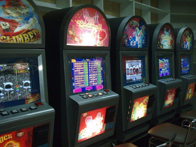 Преимущества и возможности онлайн казино Космолот