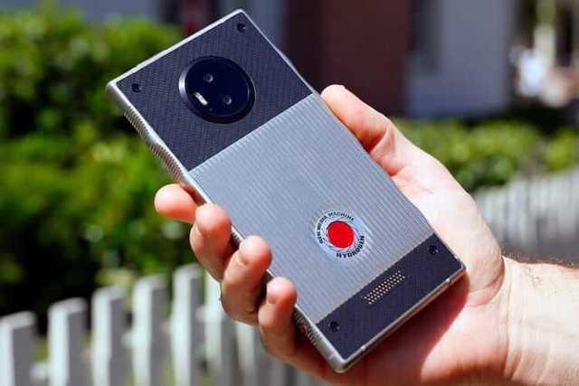 Компания Red работает над суперкамерой для своего смартфона Hydrogen One