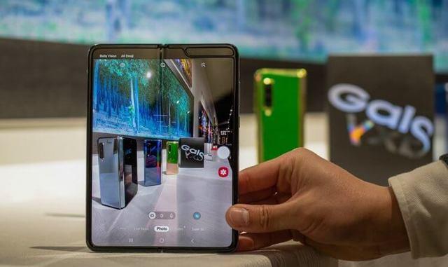 Мнение: Samsung на ровном месте увеличила цену Galaxy Fold, хотя могла этого не делать