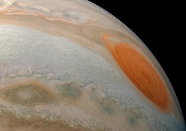 Фото дня: один из лучших снимков Юпитера с орбиты планеты