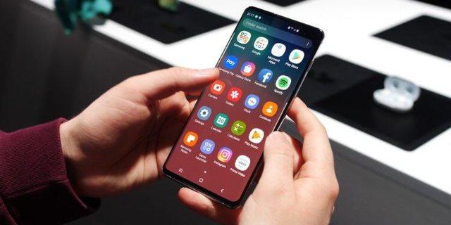 Galaxy S10 в России подешевел еще до начала продаж
